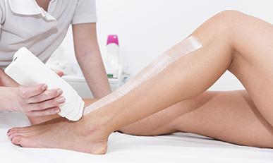 Восковая депиляция ног